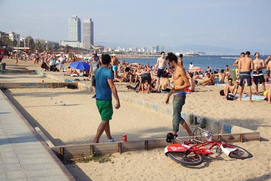 http://letiziabarcelona.com/wp-content/uploads/2014/08/barceloneta6.jpg
