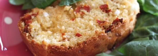 Cake aux tomates séchées et feta